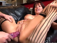 Doyenne lesbian gives toying lesson